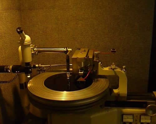 Contact Us-the-boss-studio-vinyl-cut-black-label-machine275_99_.jpg